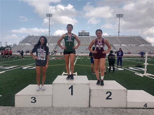 Michele Aranda heads to the Regional Track Meet