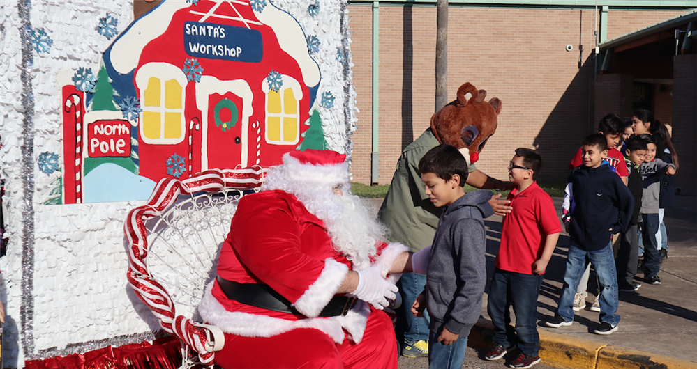 PSJA ISD high school students distribute over 200 gifts to elementary schools