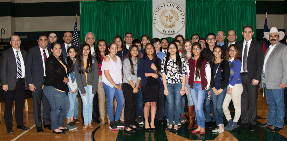 Group photo of students and attorneys during session